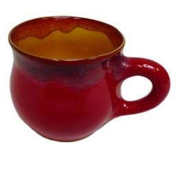 Tasse mit Henkel handgetöpfert